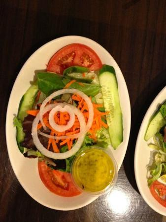 Fernandez The Bull Cuban Cafe & Bar: Fresh Salad