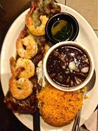 Fernandez The Bull Cuban Cafe & Bar: Surf and turf with black beans and yellow rice