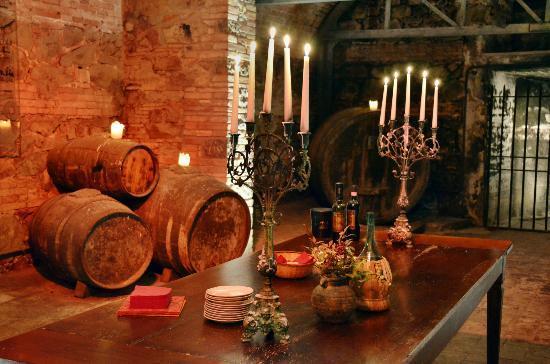 Dievole: Historischer Weinkeller