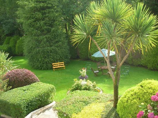 Ard na Greine: Front garden