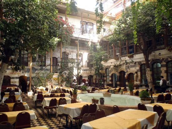 Kan Zaman : Утро - ресторан только открывается
