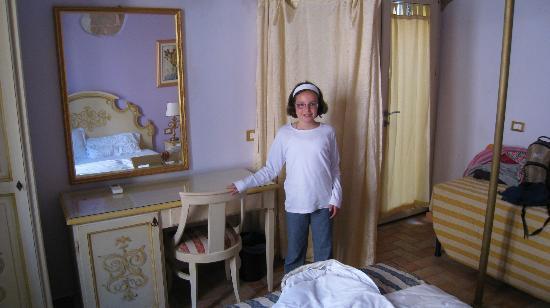 Casa Aurora : Chambre parents et salle de bain attenante