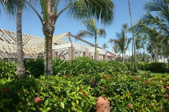 Majestic Colonial Punta Cana: construction of beach restaurant