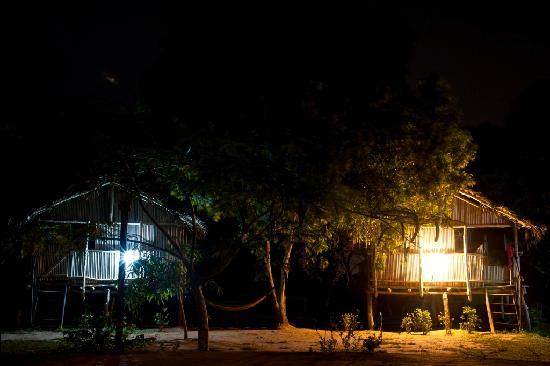 Barbara's Highlife Village: nzulezo houses in the evening