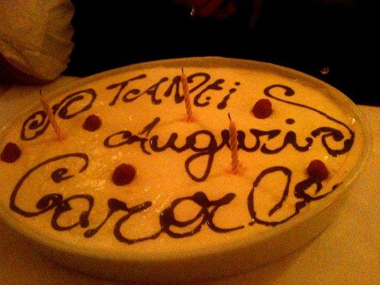La Sardegna: Tiramisu d'anniversaire ! une attention délicieuse de leur part