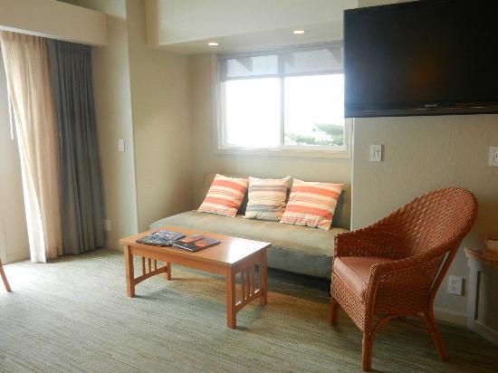 Cypress Inn on Miramar Beach: sitting area