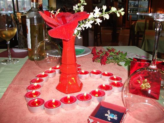 Il Gusto: Decorated table