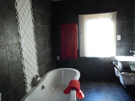 Ama Zulu Guesthouse: Baignoire