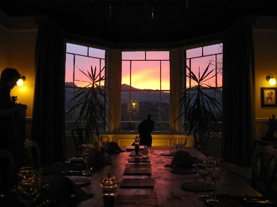 Cae'r Blaidd Country House: Sunset from the dining room