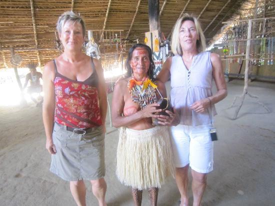 Pousada Manaus: Besuch bei einem Indianerstamm
