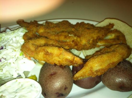 Lenny & Joe's Fish Tale: soft shell crab was awesome!
