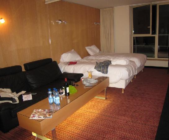 Clarion Suites Senart Paris Sud: stanza molto grande