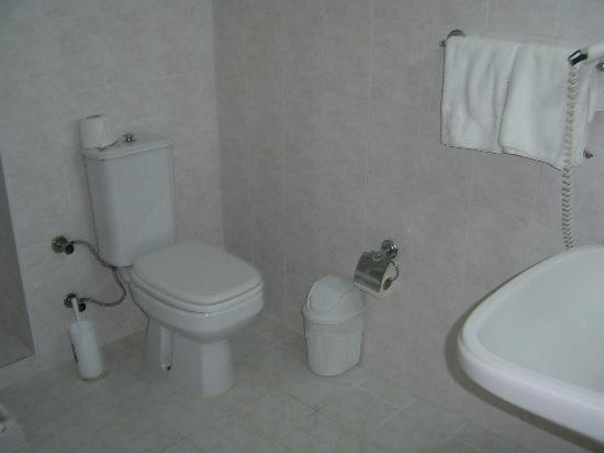 Kleopatra Beach Hotel: Bathroom