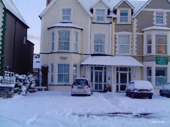 Cedar Lodge Guest House: winter cedarlodge