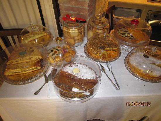 Antica Sosta: Le torte della colazione
