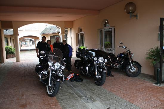 Inter-Hotel Le Sully : Bike safe and friendly