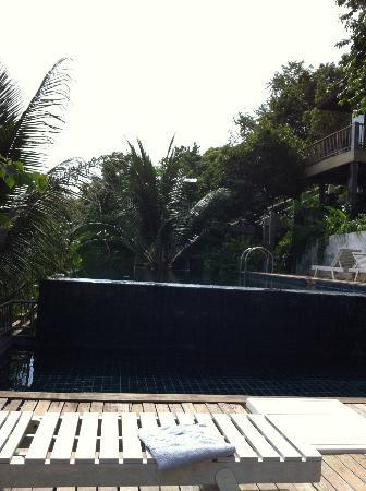 Blue Hill Beach Resort: Pool2