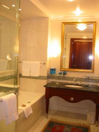 Four Seasons Hotel Istanbul at Sultanahmet: salle de bain