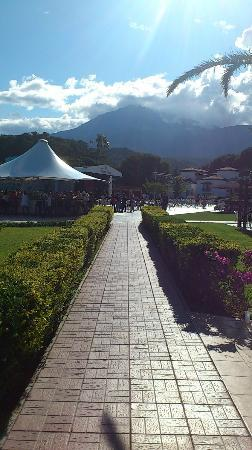 Club Marco Polo: Spectacular mountain backdrop