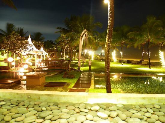 The Samaya Bali Seminyak: Part of Breeze by night