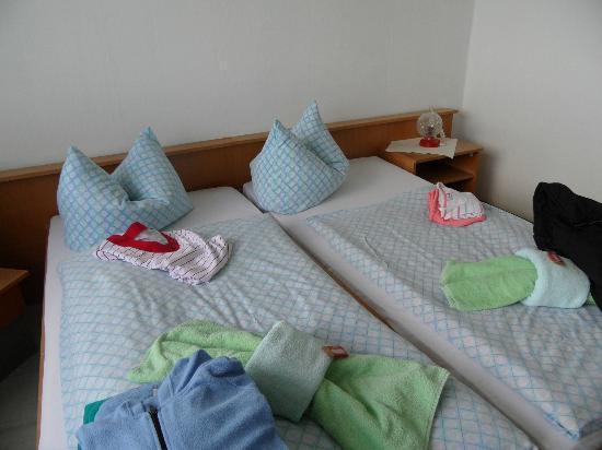 Hotel und Reiterhof an der Talsperre: in den Betten ließ es sich gut schlafen, Kopfteil wurde auf Wunsch erhöht