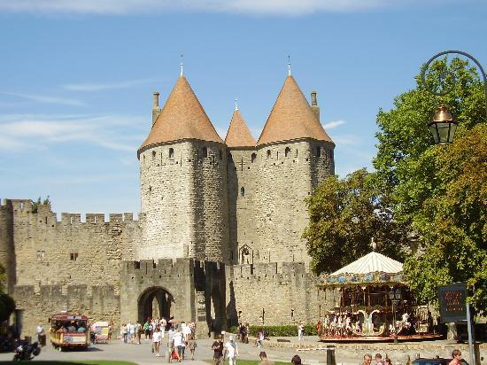 La porte narbonnaise picture of carcassonne medieval for La porte city