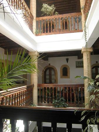 Hotel Riad Nakhla : Vista del interior