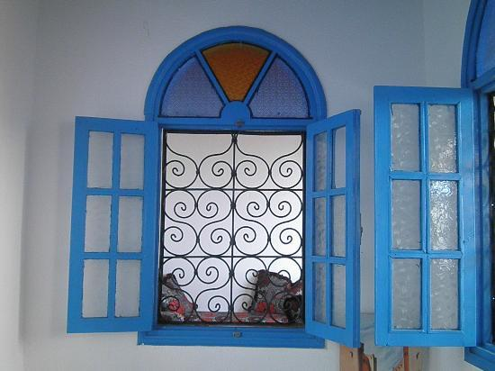Hotel Riad Nakhla: Detalle de la ventana del comedor