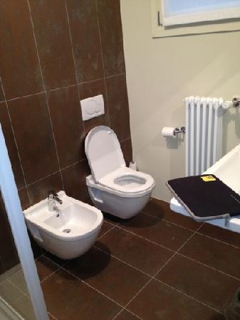 Stile Libero: bathroom