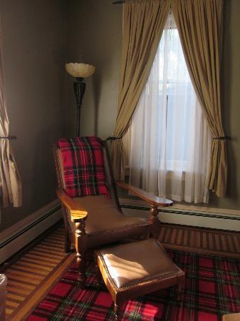 Brae Loch Inn : Cozy chair