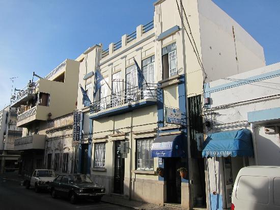 Guest House São Filipe: Hotel exterior