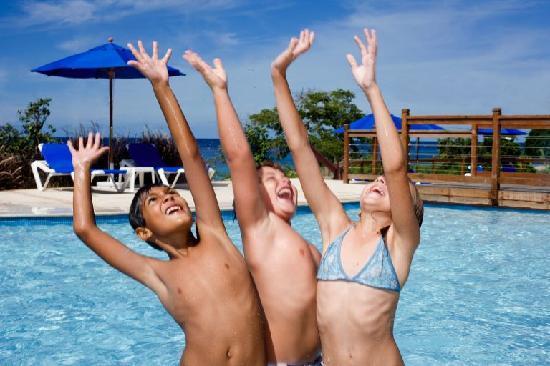 Beach View: Fun in the Kids Pool