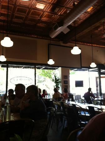 Phinney Market Pub & Eatery: The inside view of the outside dining