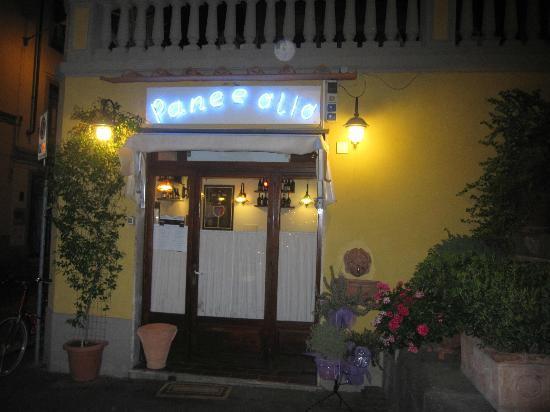 Trattoria pane ed olio firenze foto di pane e olio for L esterno del ristorante sinonimo