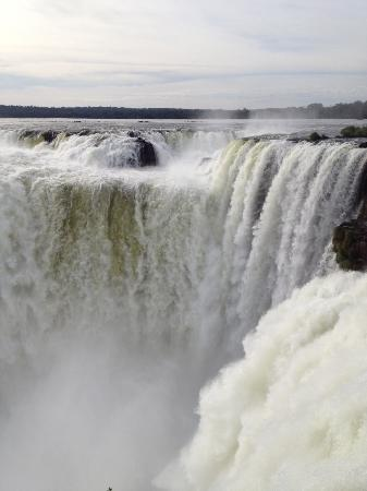 Cataratas del Iguazú: Devil's throat - Argentina side - you are literally right on top of the drop.