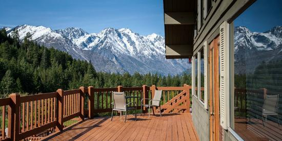 Mountain Home Lodge: Deck View