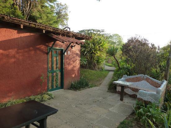 Hotel Las Cabanas de Apaneca: One of the cabañas with terrace in front