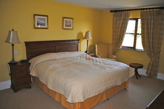 Adare Manor: master bedroom