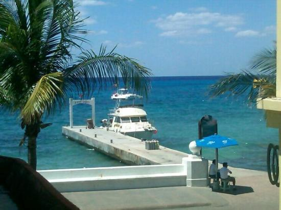 Safari Inn: View of the diving pier from our room