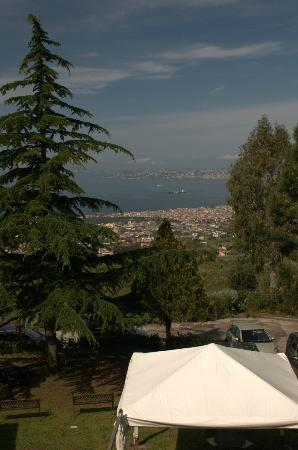 Il Sentiero: Open the curtains to the Bay of Naples