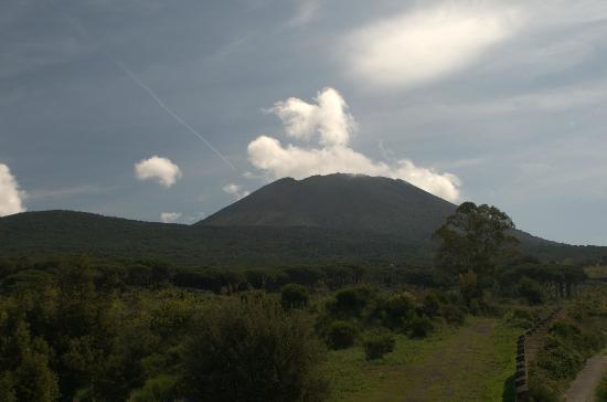 Il Sentiero: View from the roof terrace to Vesuvius