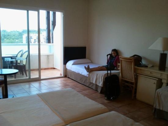 H10 Salauris Palace: Habitación