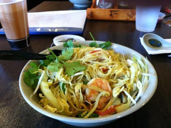 Boxo Noodle Bar: singapore noodle