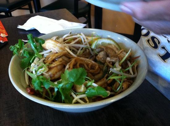 Boxo Noodle Bar: boxys hot noodle