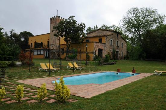 Hotel Mas Vilalonga Petit: Jardín, Piscina y hotel.