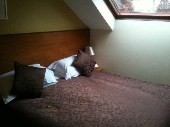 Grove Guest House: Bed (Zip & Link)