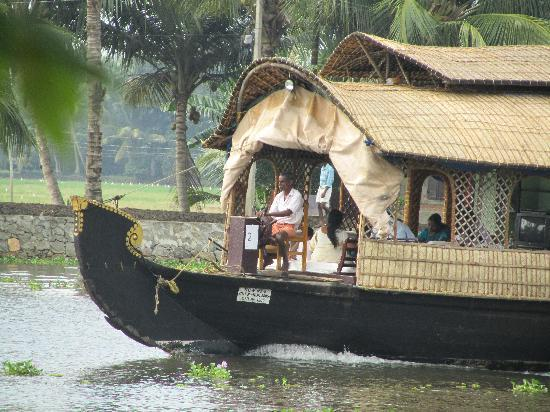 Our Land Island Backwater Resort: Kovallums passing the door