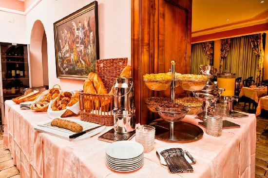 Dependance Dell'Angelo: Breakfast buffet
