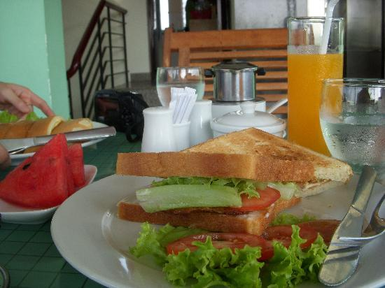 Green Suites Hotel: our breakfast