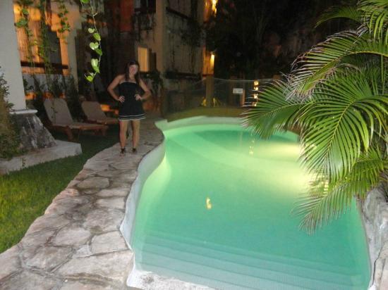 Hotel Labnah: pileta iluminada